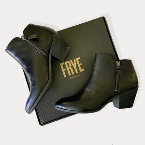 FRYE Judith Zipper Ankle Bootie Leather 9.5 Black